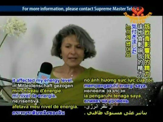 تصویر دکتر زرین آذر در برنامه تلویزیونی